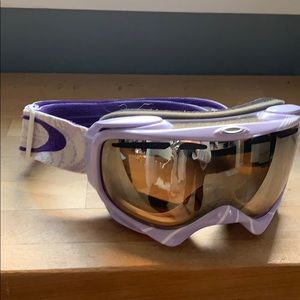 Women's Oakley ski goggles